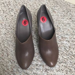 NWT Kate spade Saturday heel clogs size 6 brown